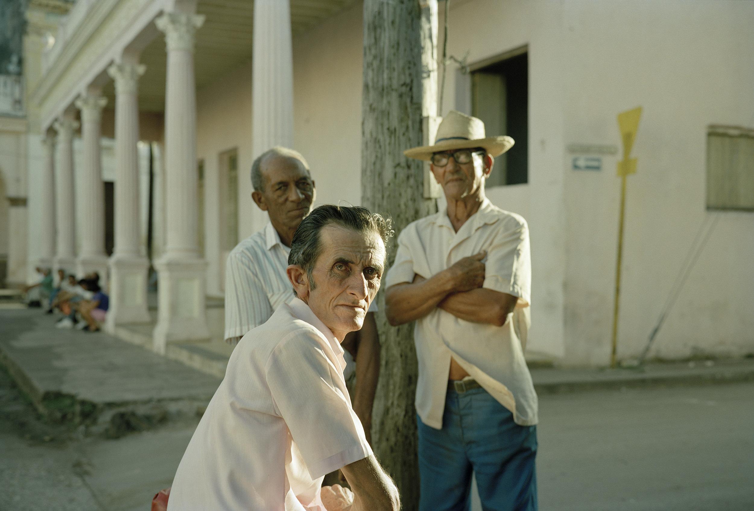 Three Men, Remedios