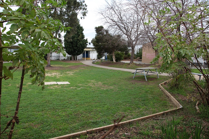Glenroy College school yard