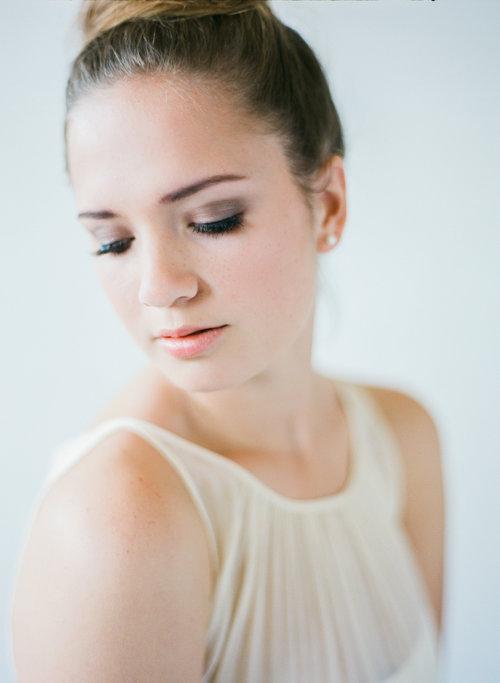 Natural+Light+Film+Studio+Bridal+Hair+and+Makeup+Styles-Edited+Film-0034.jpg