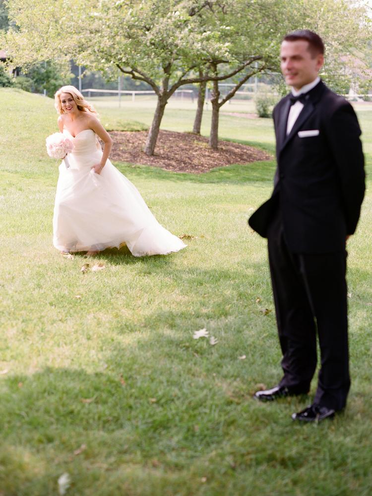 Cleveland-wedding-first-look.jpg