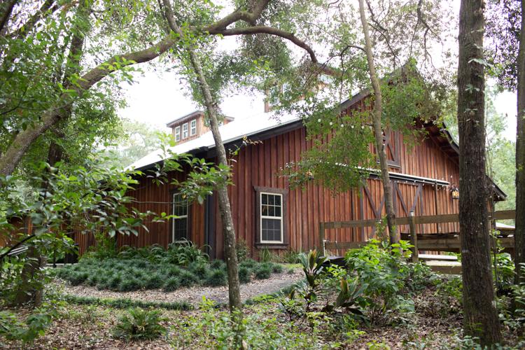 rustic-barn-at-bridle-oaks.jpg