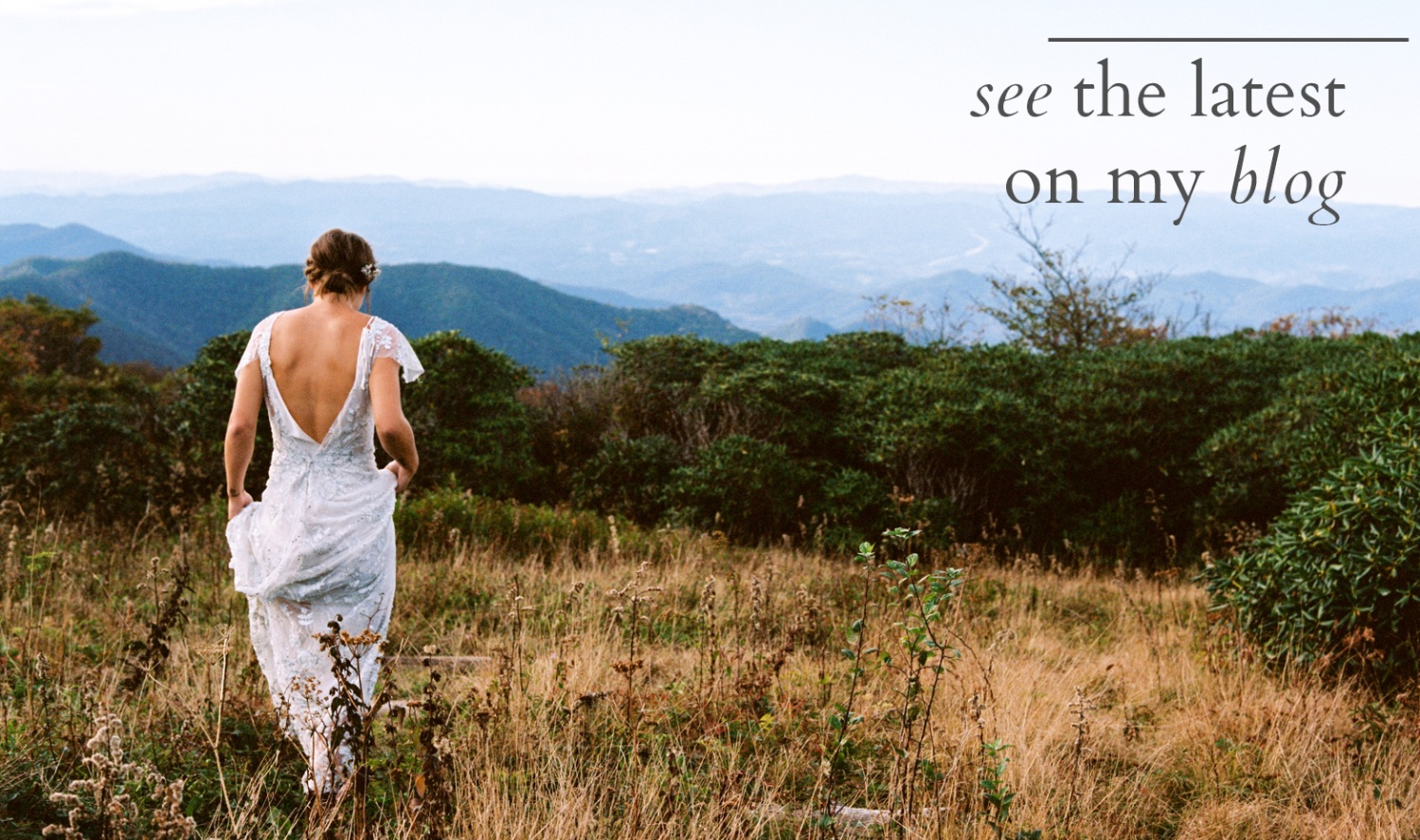 minimalist+beautiful+bride+walking+through+a+meadow