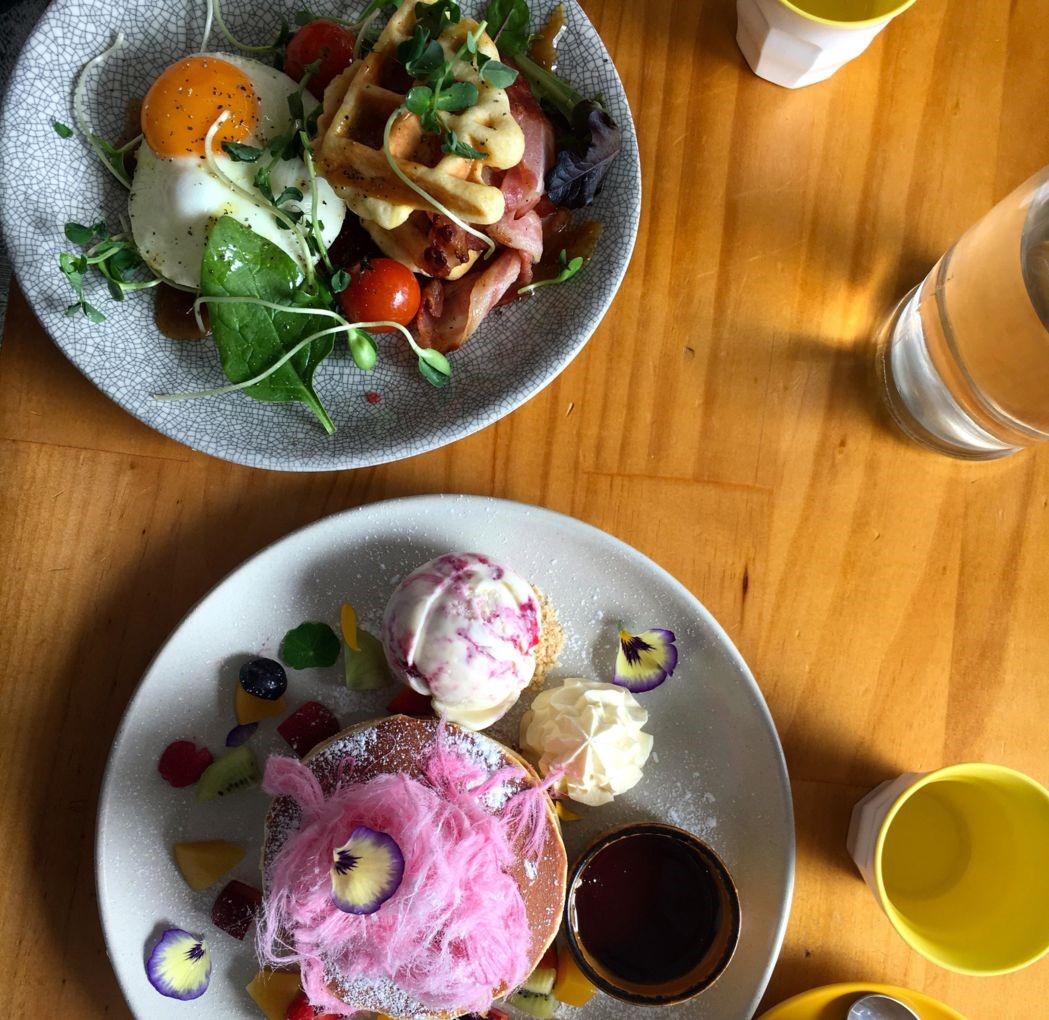 Sweets from Honey Badger Dessert Café. Photo: Sanni Jensen