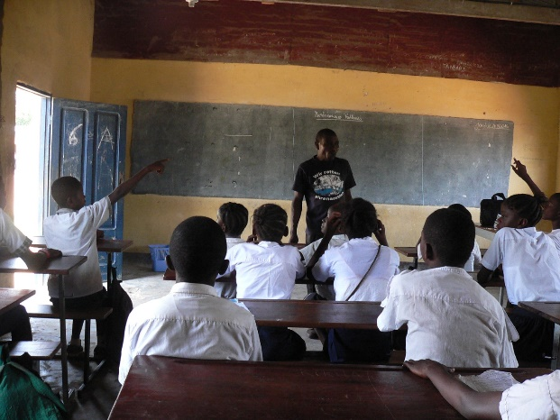 Students participating in the 20 questions game.