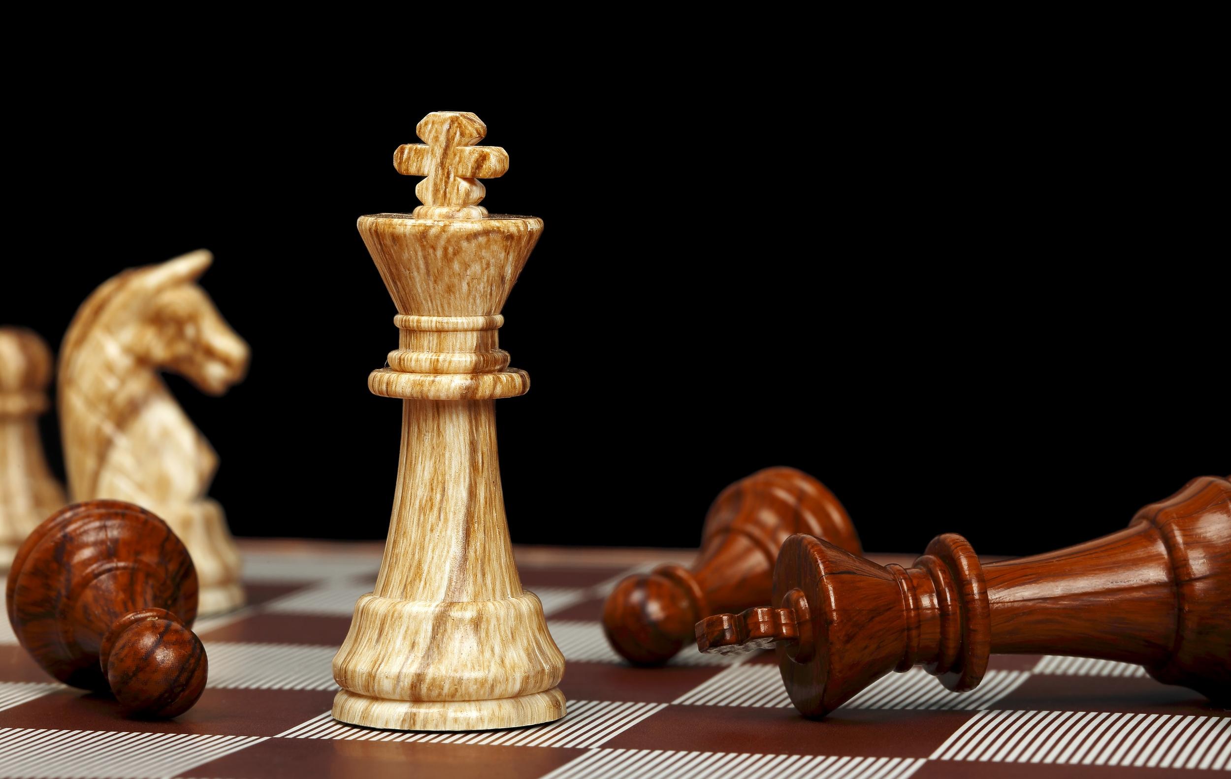 fallen_chesspiece.jpg