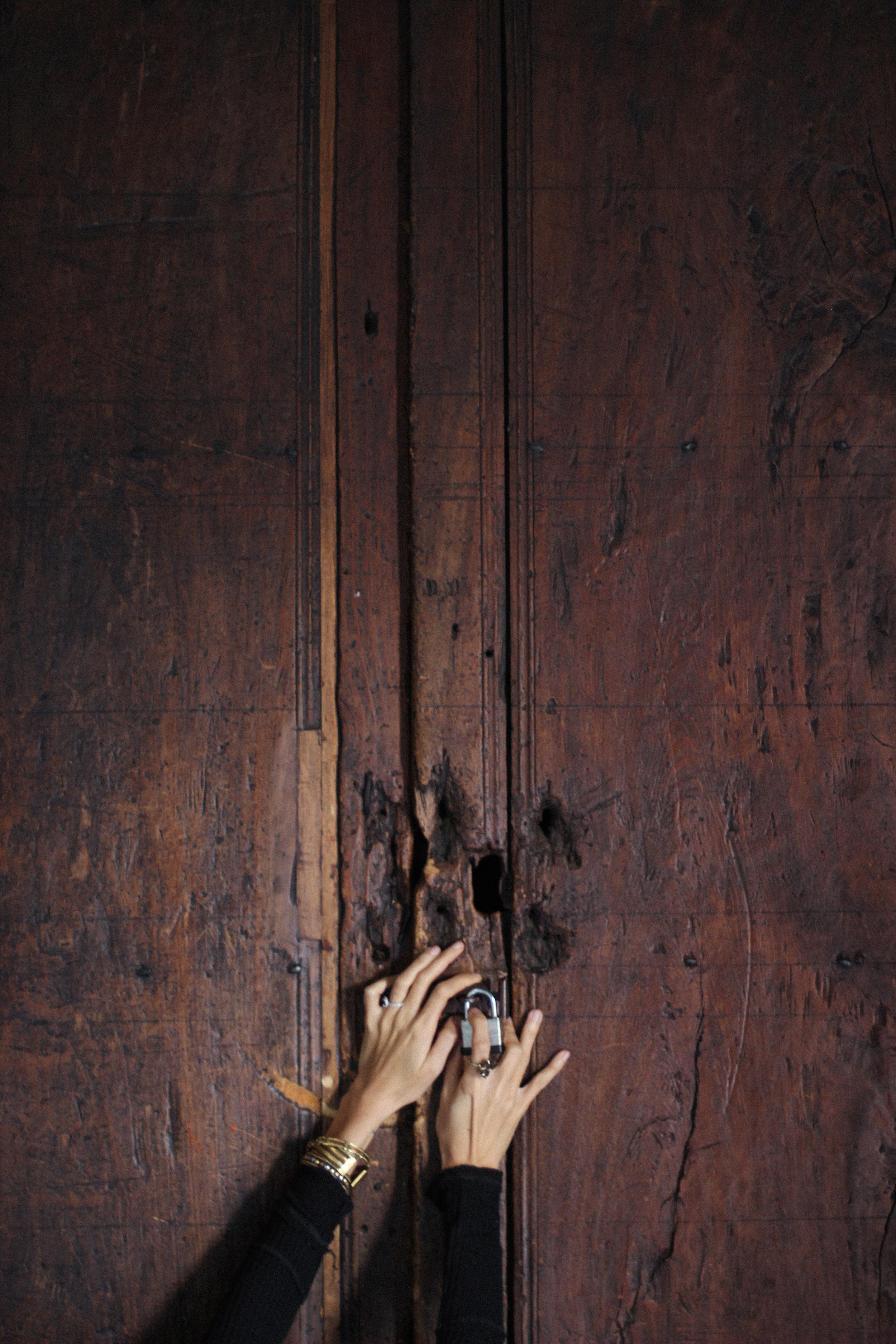 Historic door in San Miguel // Mel Denisse