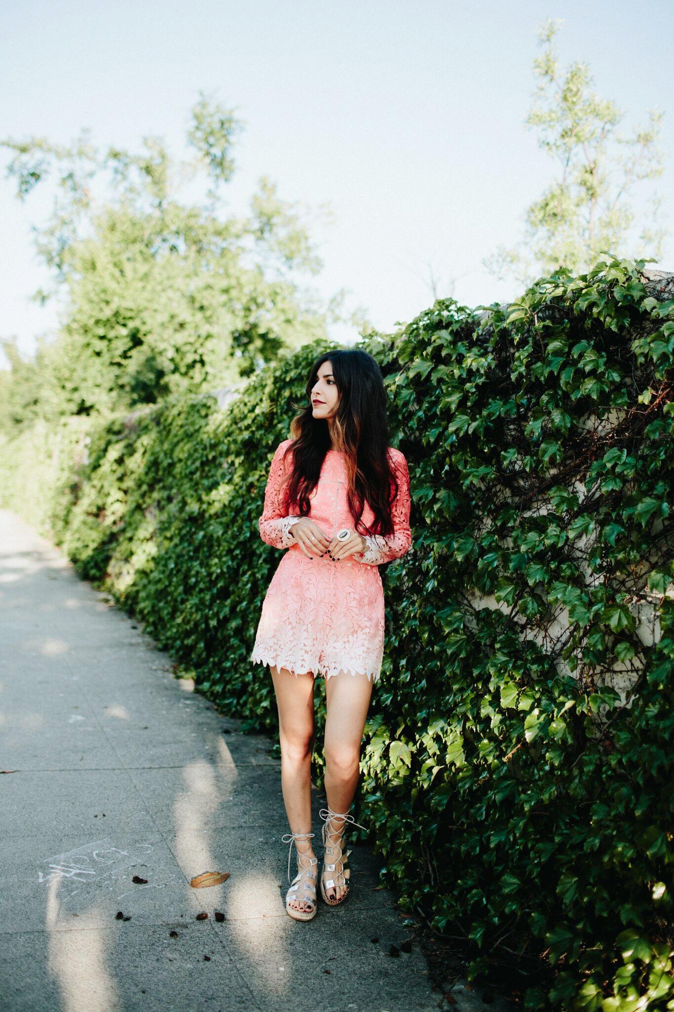 Pink Glow // Mel Denisse