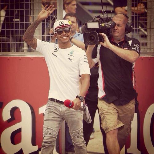 Mat-Lewis-Hamilton-F1.jpg