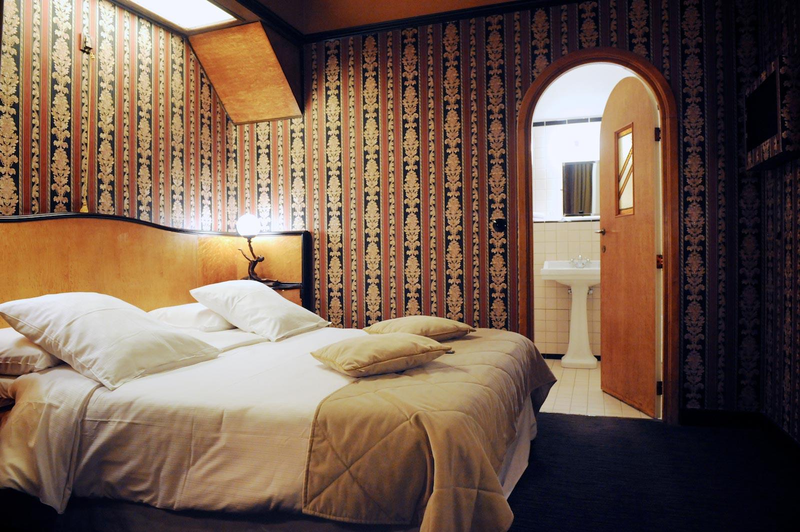 hotel-le-berger- rooms-superieur-antoinette-07-02.jpg