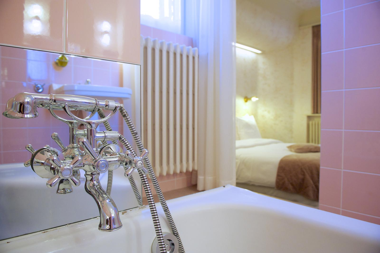 hotel-le-berger-rooms-superieur-blanche-09-08.jpg