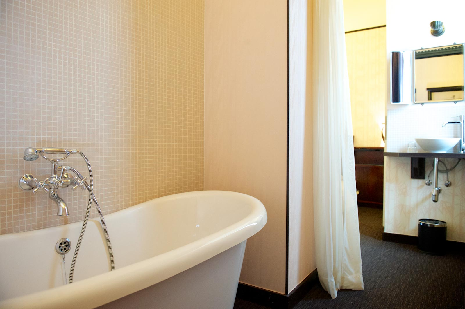 hotel-le-berger-rooms-superieur-jeanne-10-01.jpg