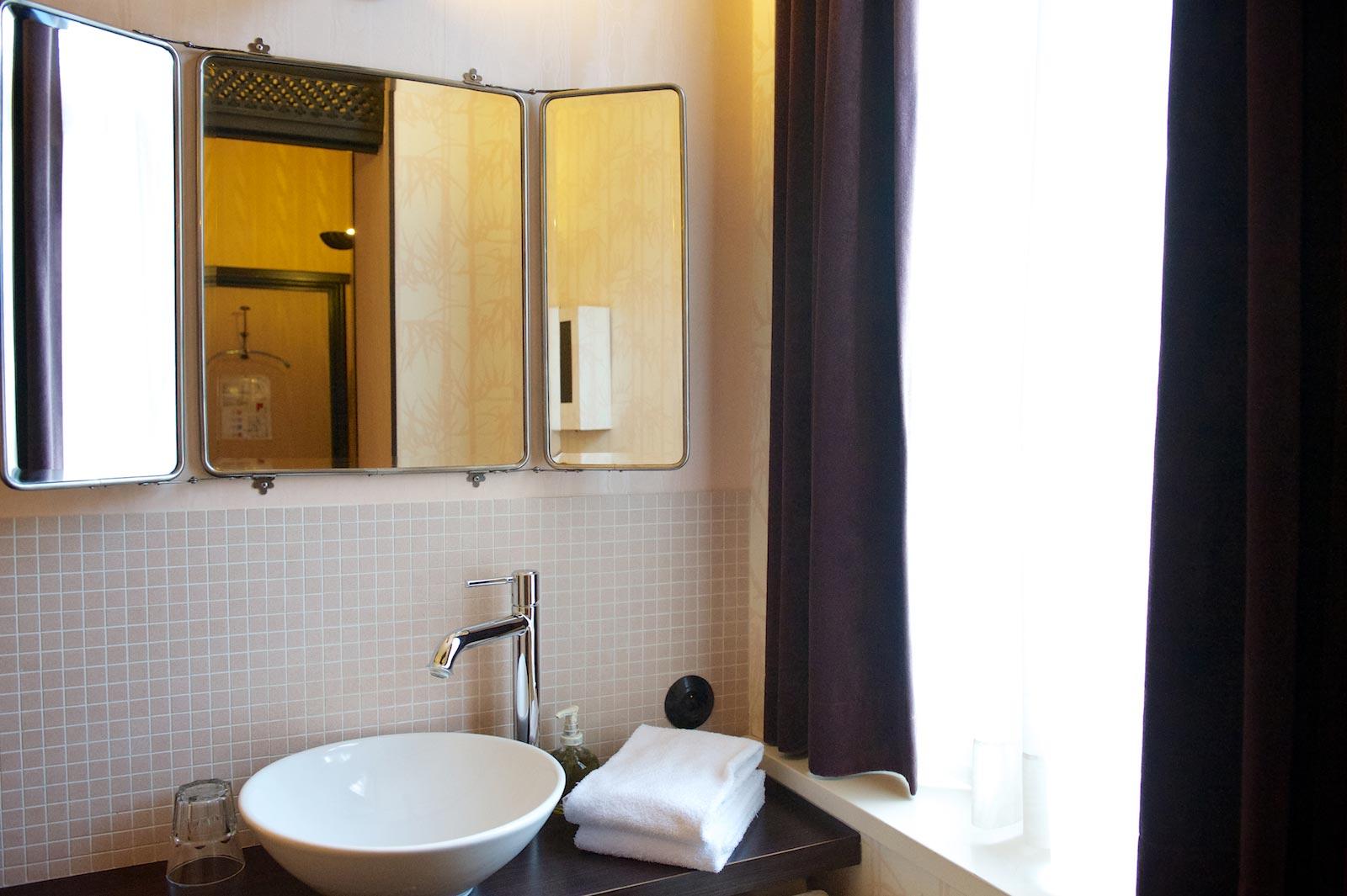 hotel-le-berger-rooms-superieur-jeanne-10-02.jpg