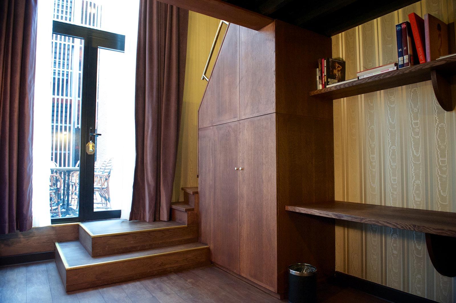 hotel-le-berger-rooms-comfort-mezzanine-eulalie-003-02.jpg
