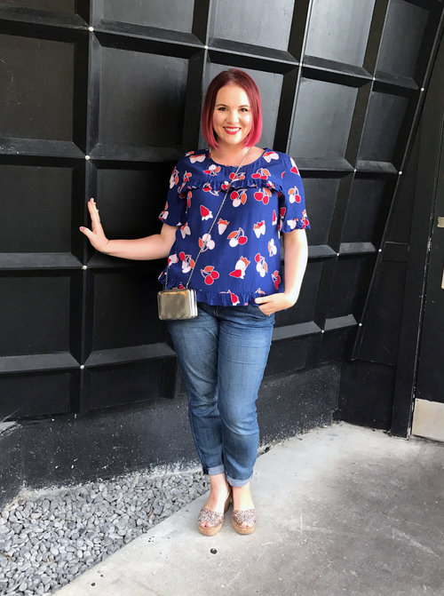 Bold Prints - Love prints? Florals, shapes and everything in between- don't be afraid to wear your favorite pattern!Learn how to style your favorite print in multiple ways.