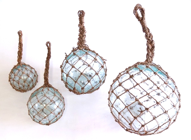 Netted Glass Spheres