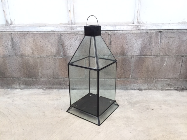 MODERN GLASS LANTERN