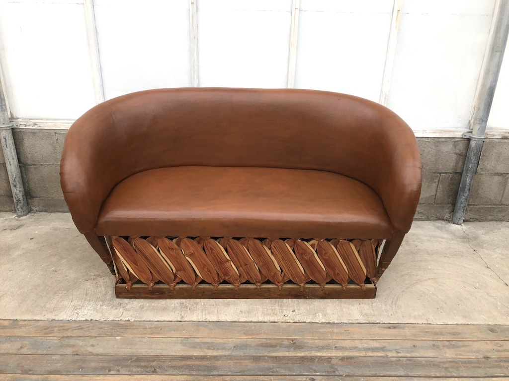 Md Tobacco Sofa