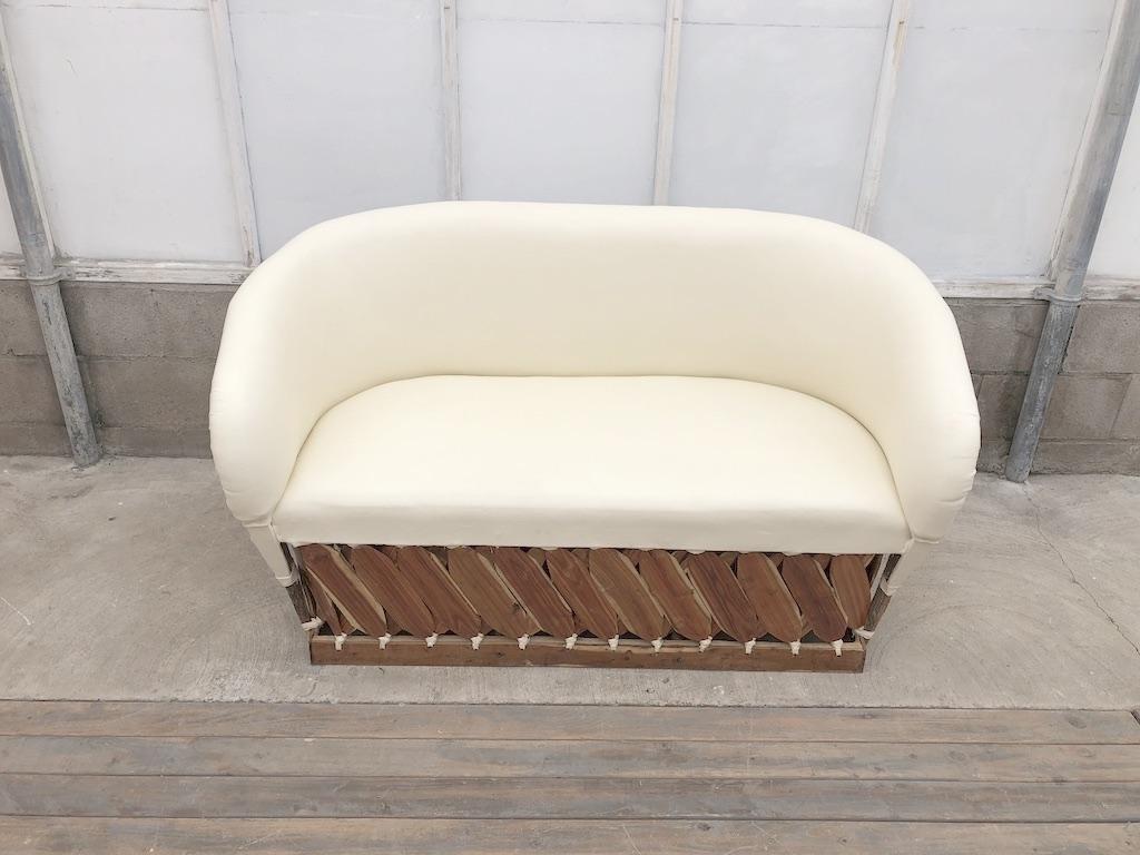 Md Ivory Sofa