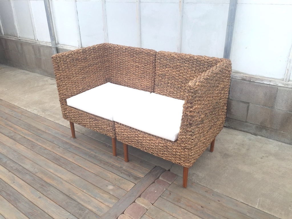 Woven High Back Love Seat         52x26Dx32H / SH16