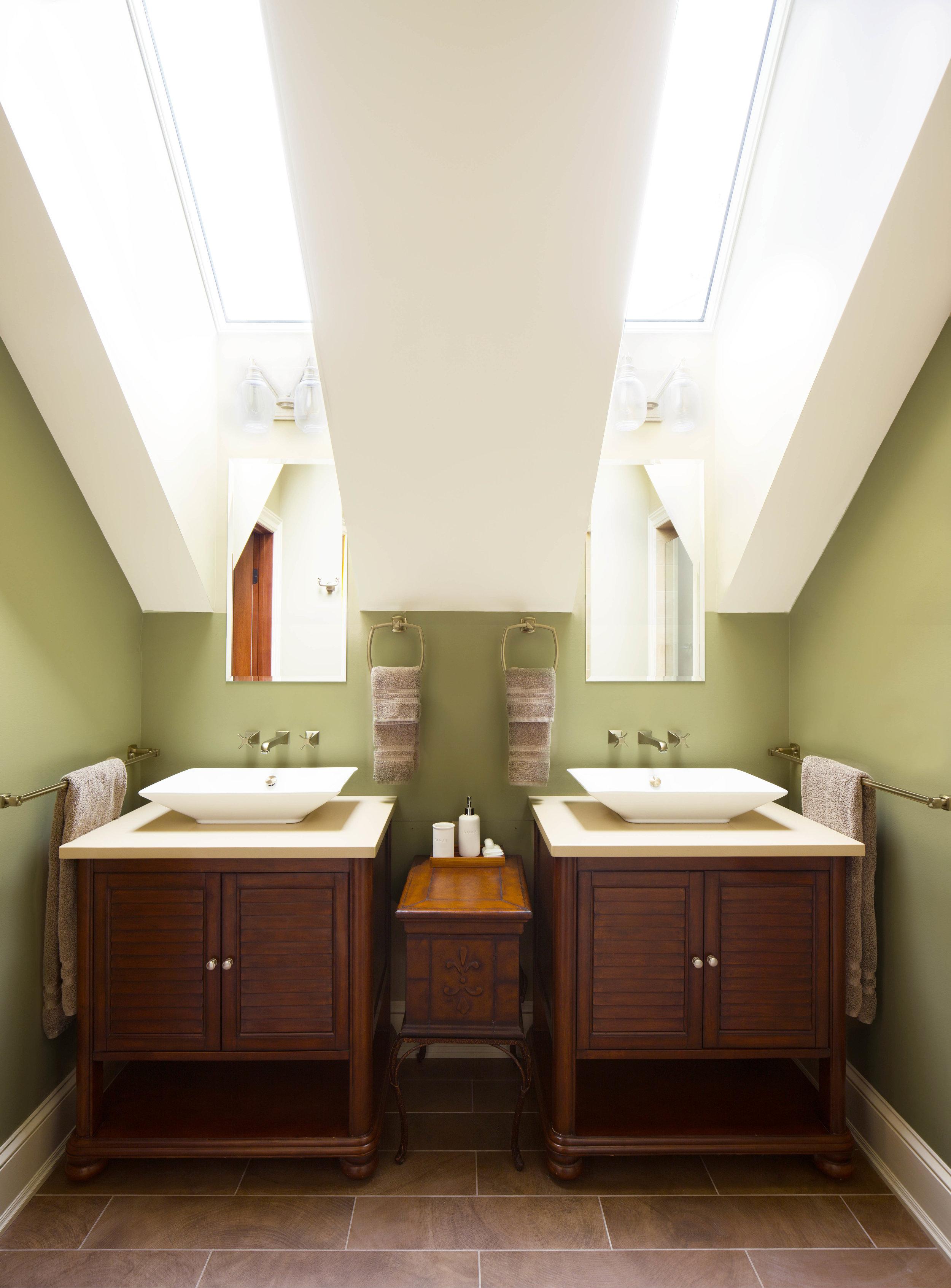 Corcoran-2556 Guest Bathroom.jpg
