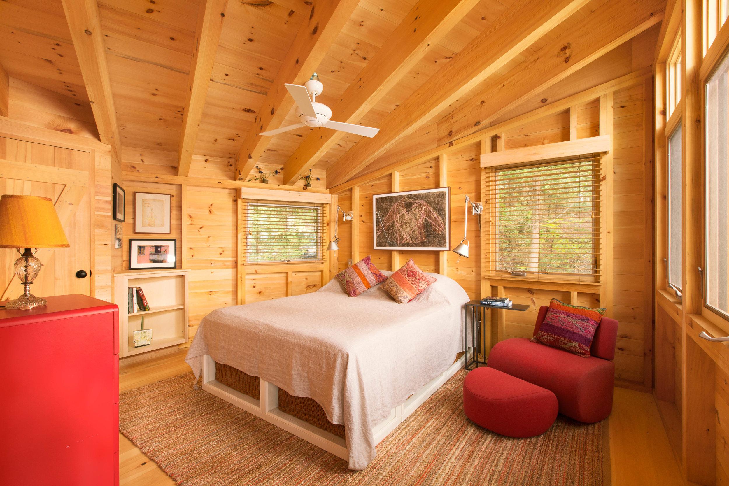 Gignoux_Guest Bedroom 2 (crop 5x7)(4934).jpg