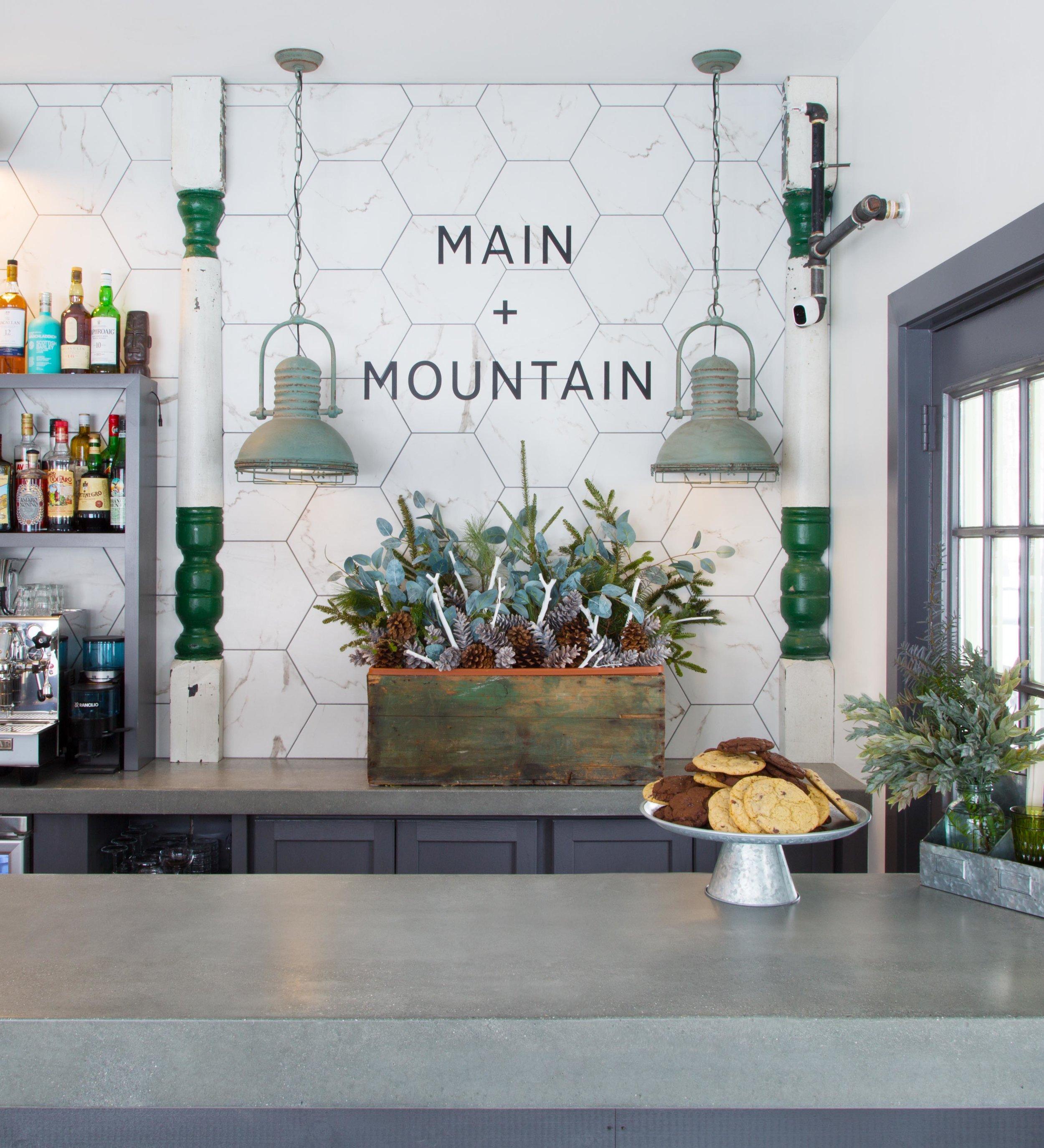 Main+Mountain Motel Bar Ludlow VT_Bar 7 (crop)(0485).jpg