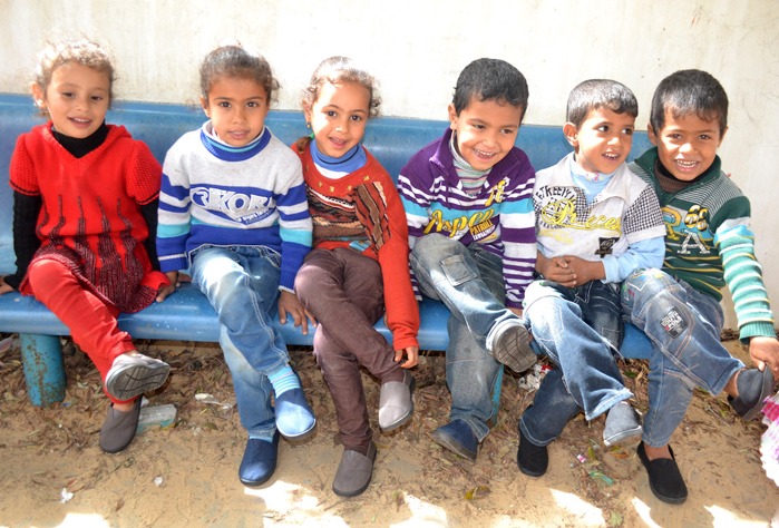 Palestinian Kids i Gaza wearing their Toms shoes