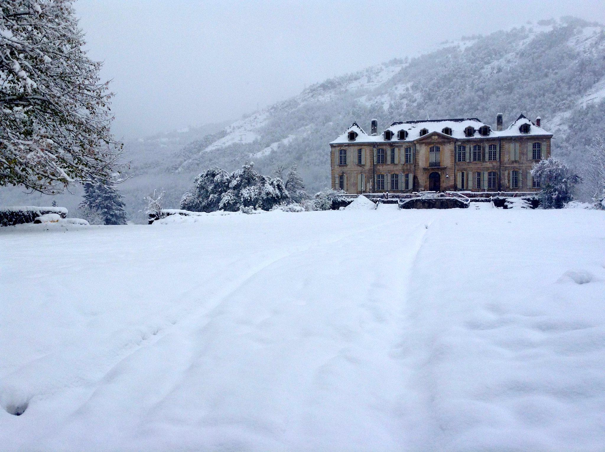 chateau-de-gudanes-snow-facebook.jpg