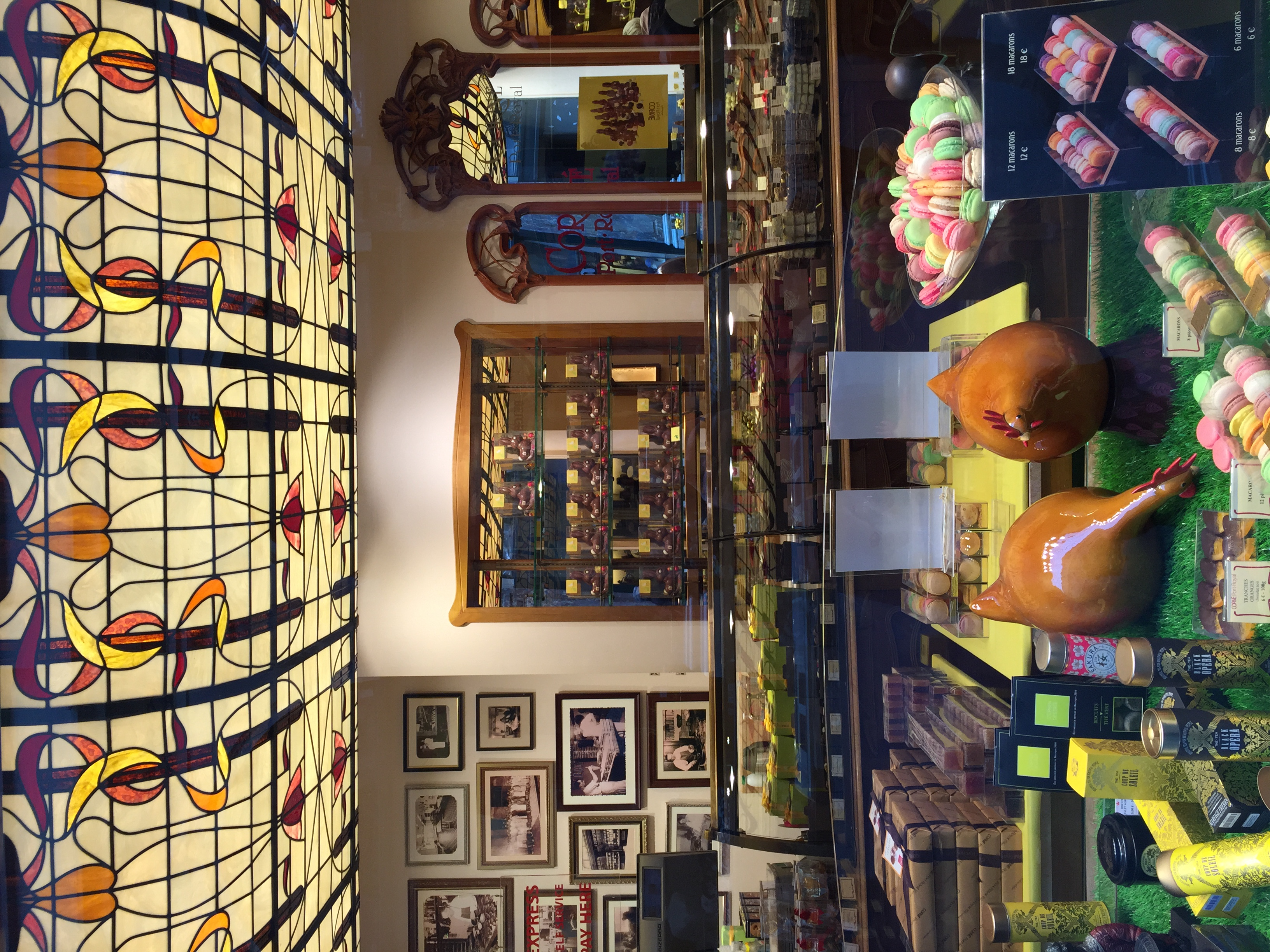 Art Nouveau and chocolates and macarrons... and some glazed chickens!