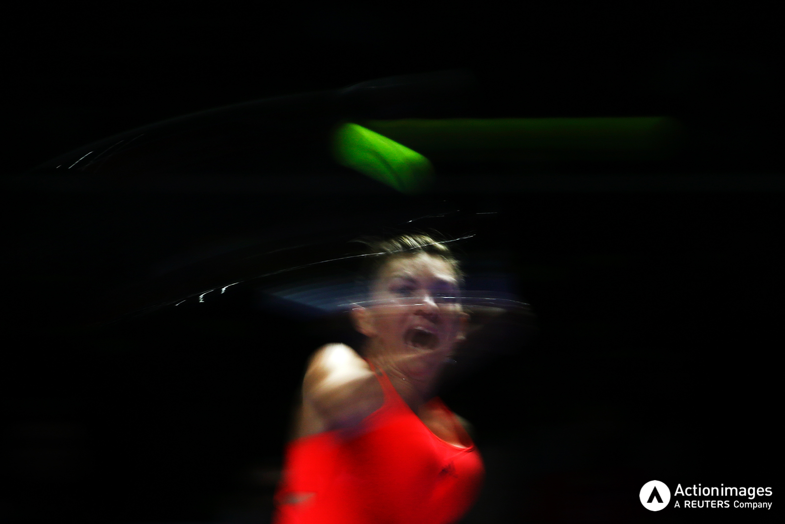 Tennis - BNP Paribas WTA Finals - Singapore Indoor Stadium - 25/10/16 Romania's Simona Halep in action during her round robin match Mandatory Credit: Action Images / Yong Teck Lim Livepic