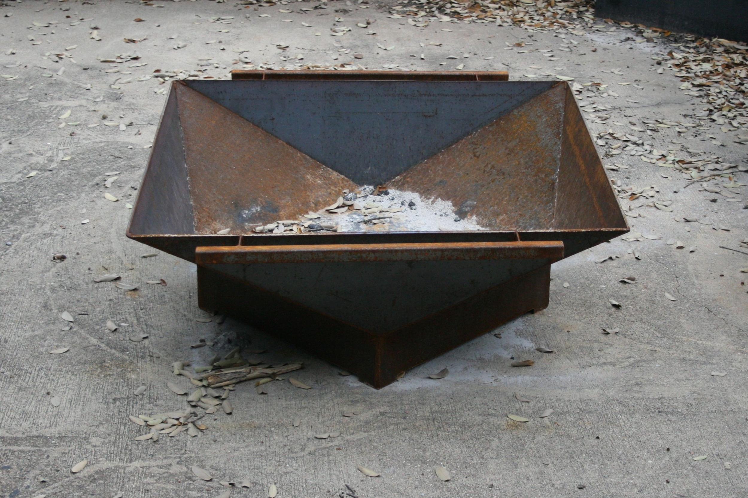 STEEL SQUARE — FIRE PIT #2 — 36 x 36 x 18