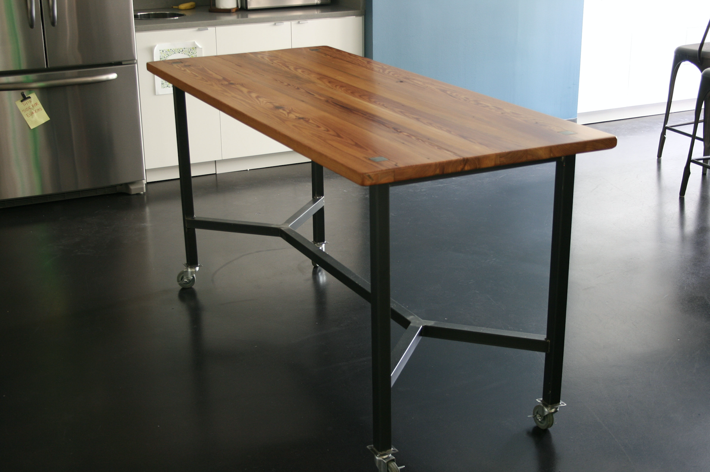 PINE + STEEL TABLE on casters