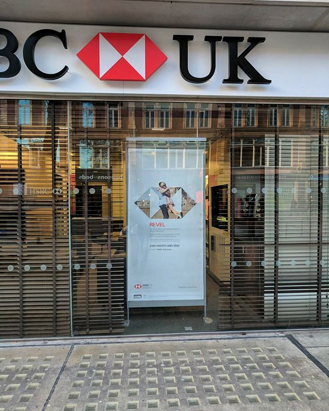 @hsbc campaign is live.  Spotted all over England and Scotland so far as well as in print in the evening standard too.  #hsbc #advertising #advertisingshoot #campaign #photographer #London #highstreet #uk #work #print #photo #insta #ig_cameras_united #ig #sony #a7riii #Zeiss #shoot #shootlife #strobist