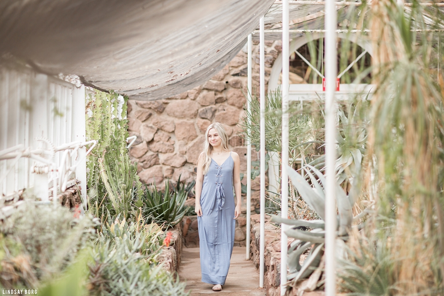 Lindsay-borg-photography-arizona-senior-photographer (1).jpg