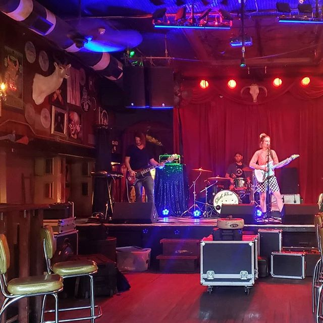 Sound check with @slothrust! Doors at 8:30. $15. Don't miss this show! . . #livemusic #savannah