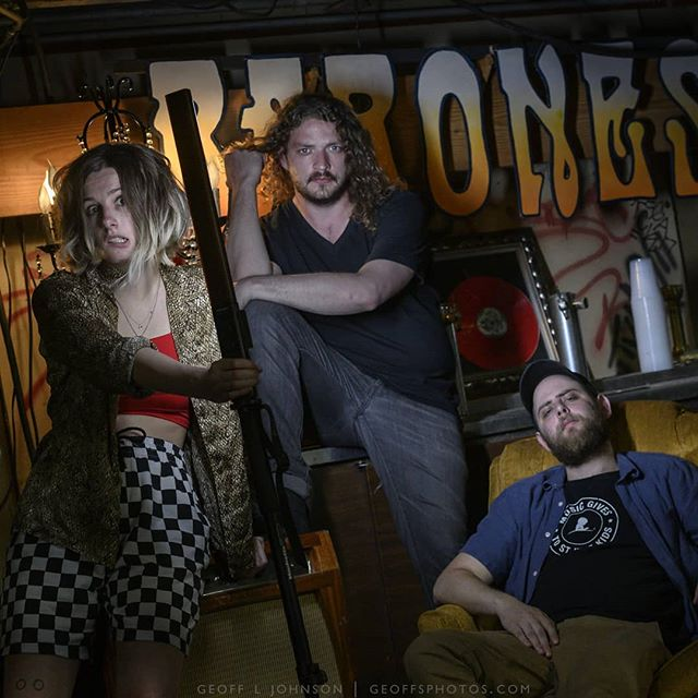 Check out these fantastic @slothrust portraits that @geoffphotos captured before last night's show at @thejinx912!