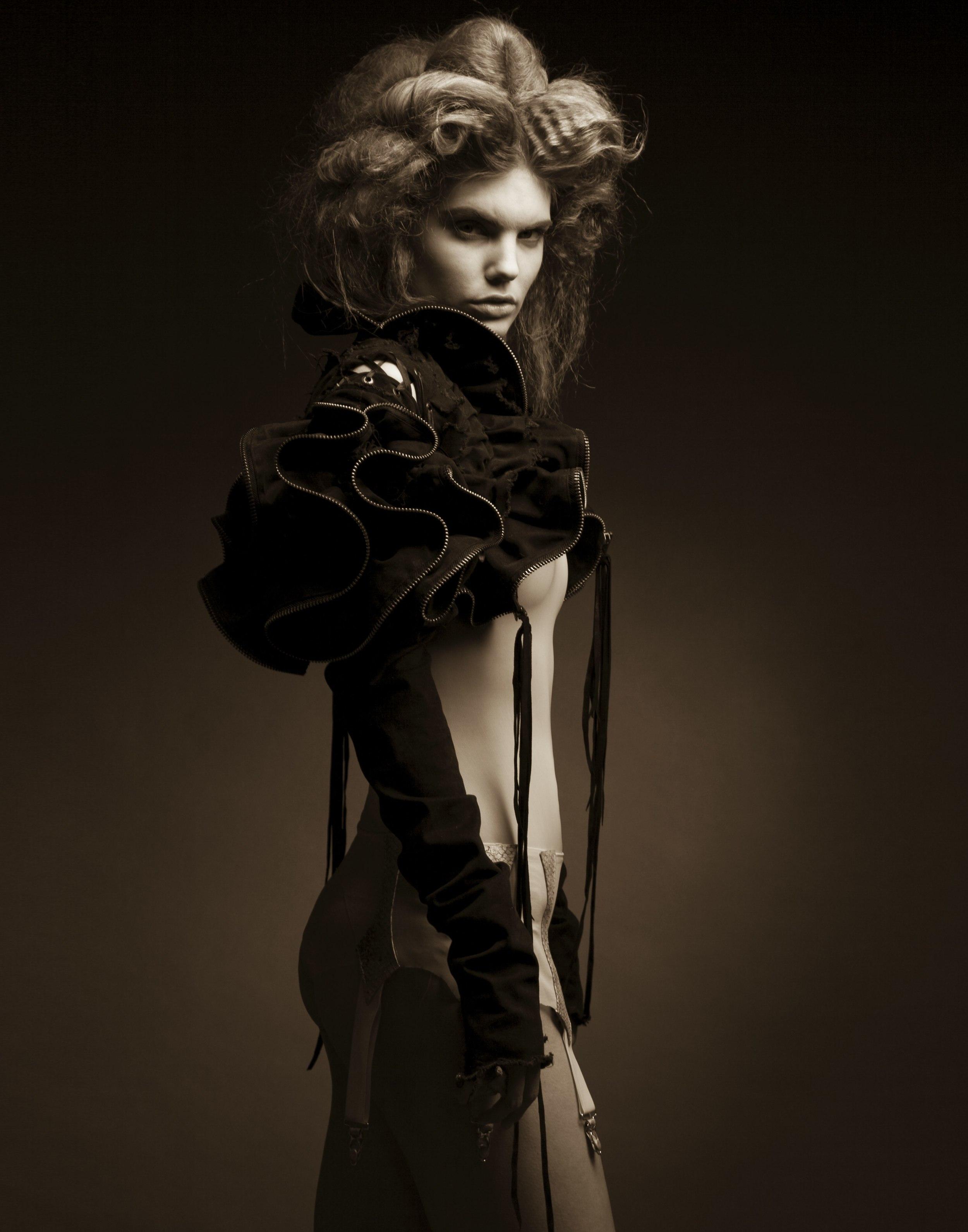 rachelfreire-by-diegoindraccolo-aw10-bolero-and-bodysuit.jpg