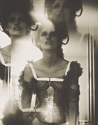 6_11kara-corset.jpg