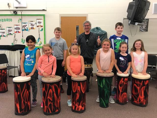 Teaching Artist Mike Arturi with Kittson Elementary students