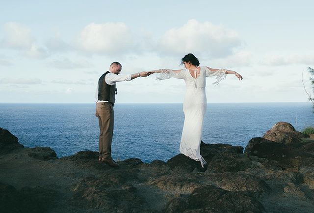 """And in that moment... I swear we were infinite"" - Perk of being a Wallflower  @elopemaui attracts the coolest couples that want adventure and a sense of wonder."