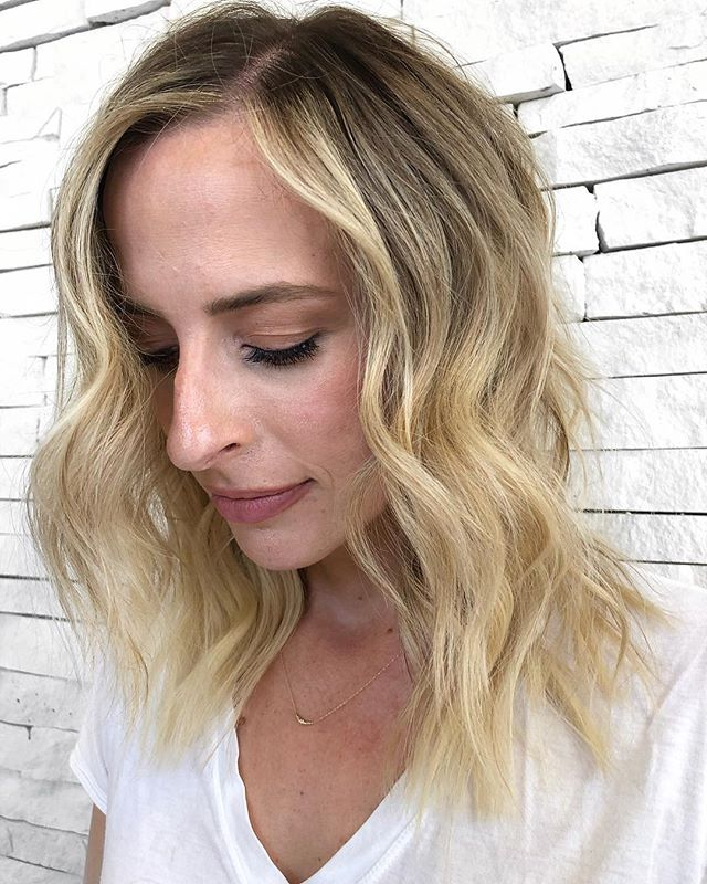 Can you tell that @kellymarv has extensions?! That's how accurately you can match and personalize extension colors these days! We like to add a little fullness and subtle length to her hair using @hotheadshairextensions.