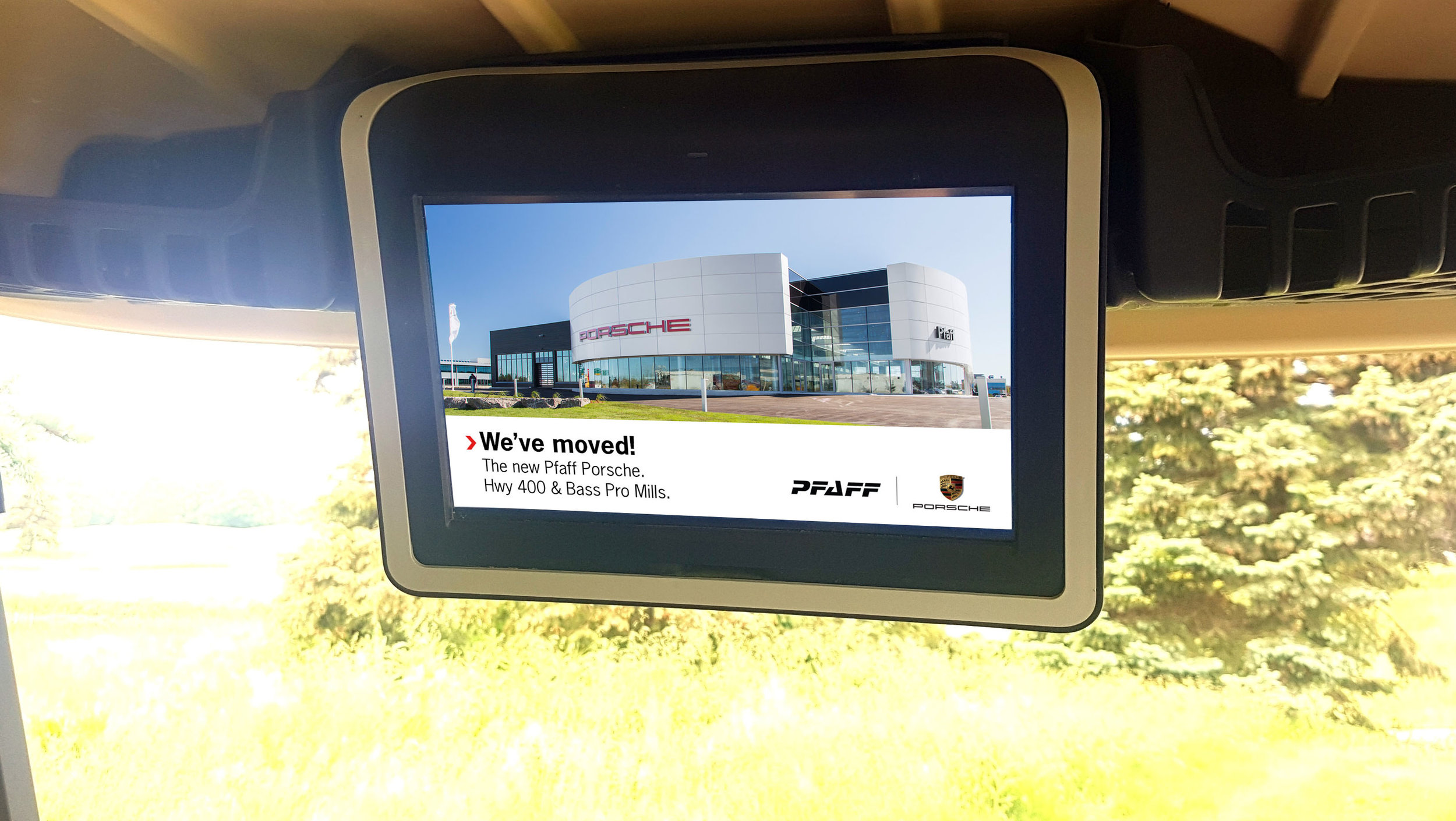 Pfaff Porsche DOOH Golf Fullscreen.jpg