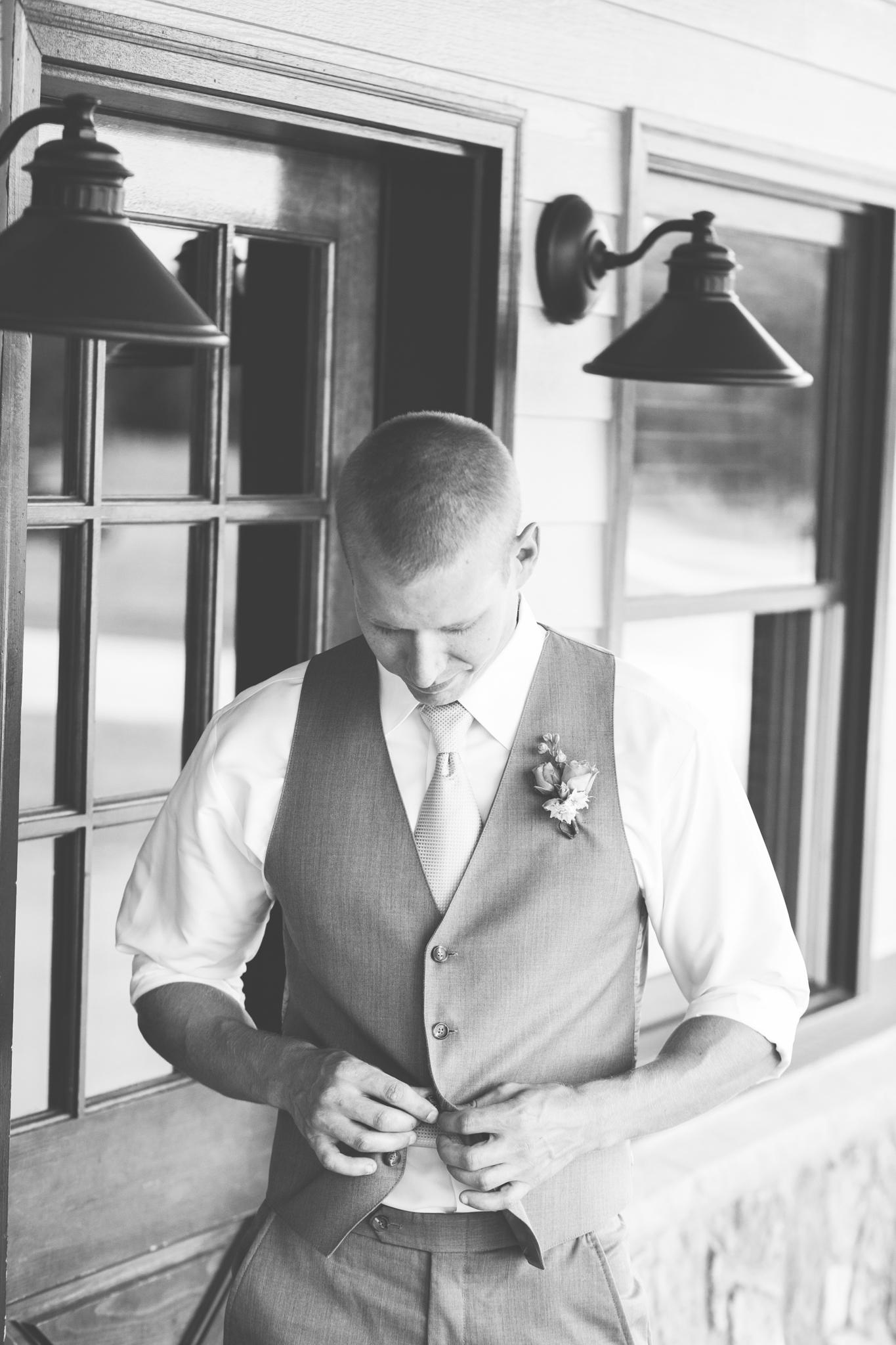 Wedding_Kyle&TaylorGilseth_Blog-13.jpg