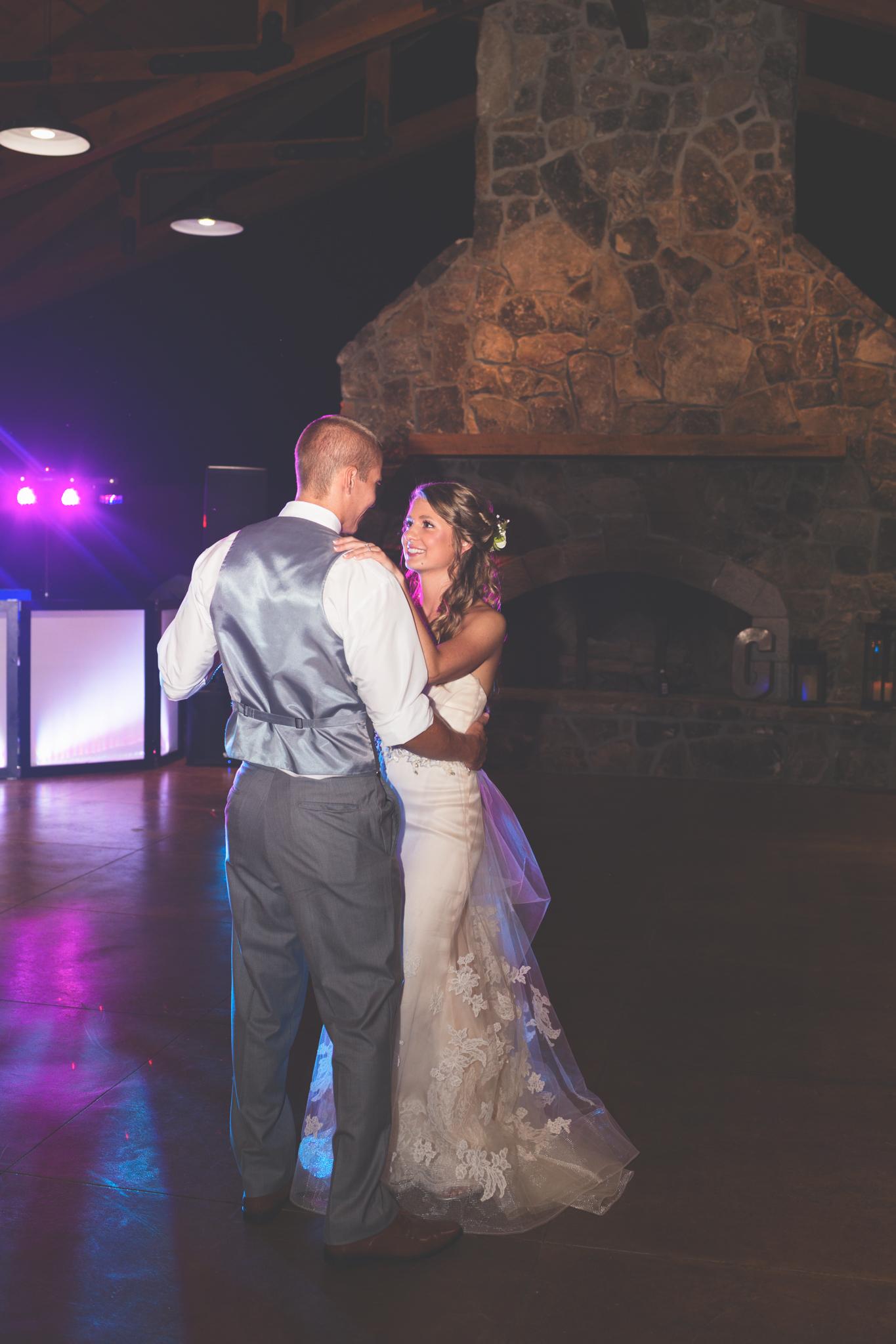 Wedding_Kyle&TaylorGilseth_Blog-194.jpg