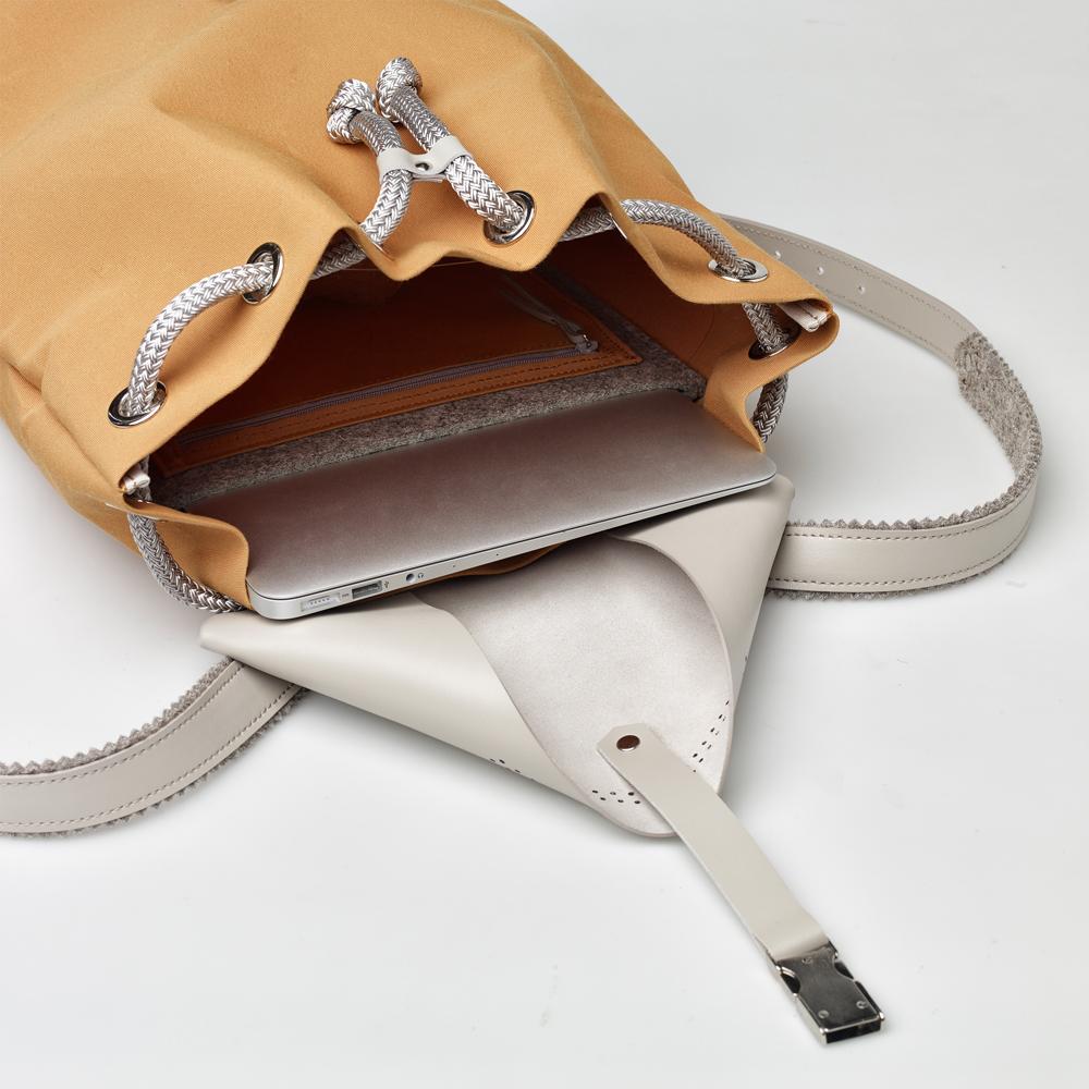 TheBetaVersion_Felix_backpack_mustard_03_open.jpg