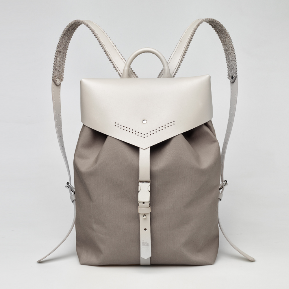 TheBetaVersion_Felix_backpack_khaki_01_front.jpg