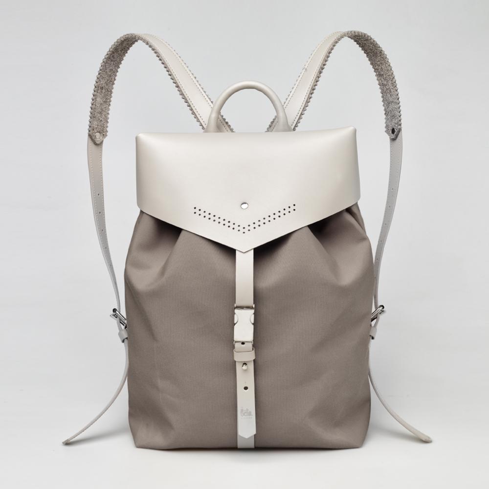 TheBetaVersion_Felix_backpack_khaki_01_front.jpg