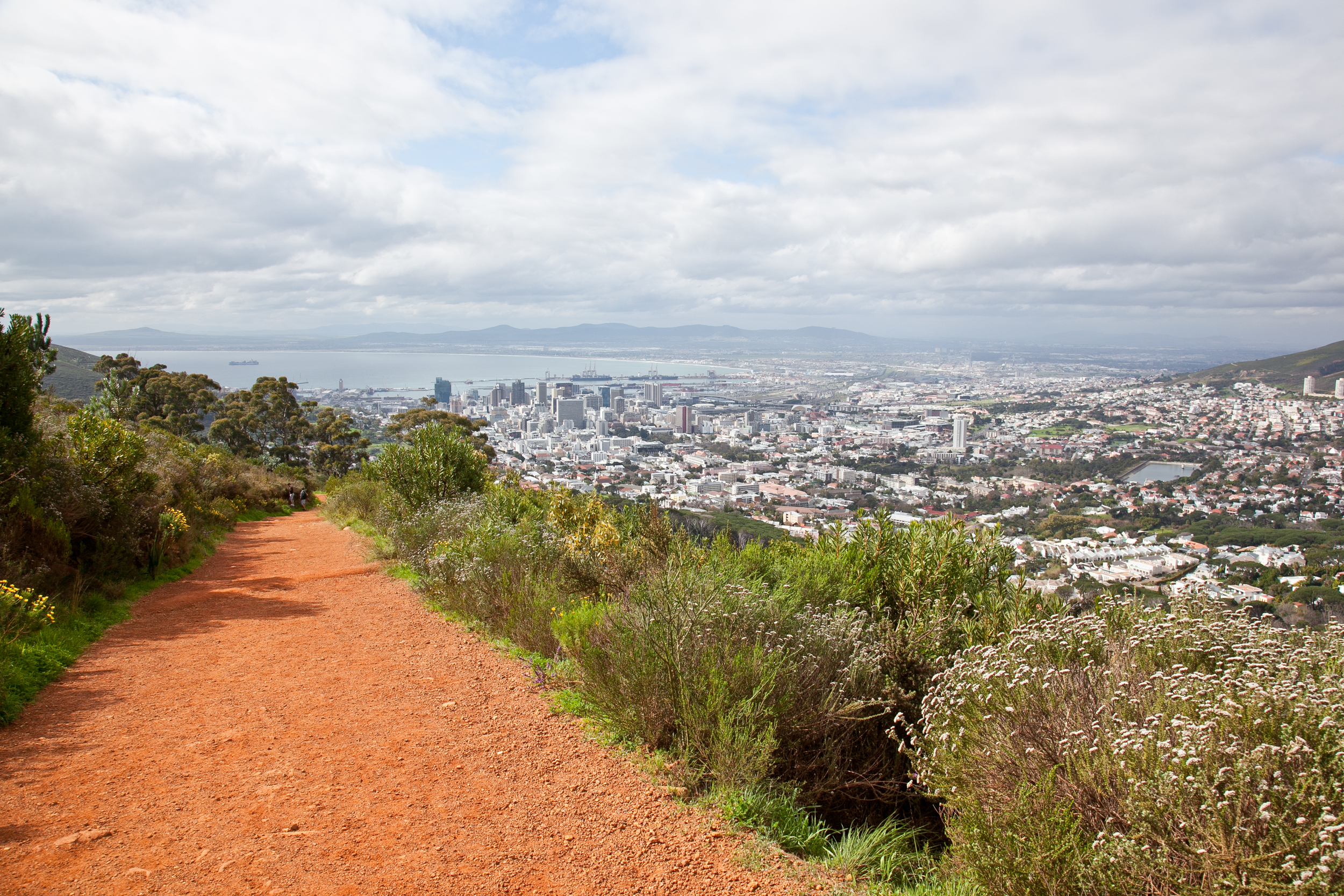 IMG_5008-hiking-lions-head-cape-town-trisa-taro.jpg