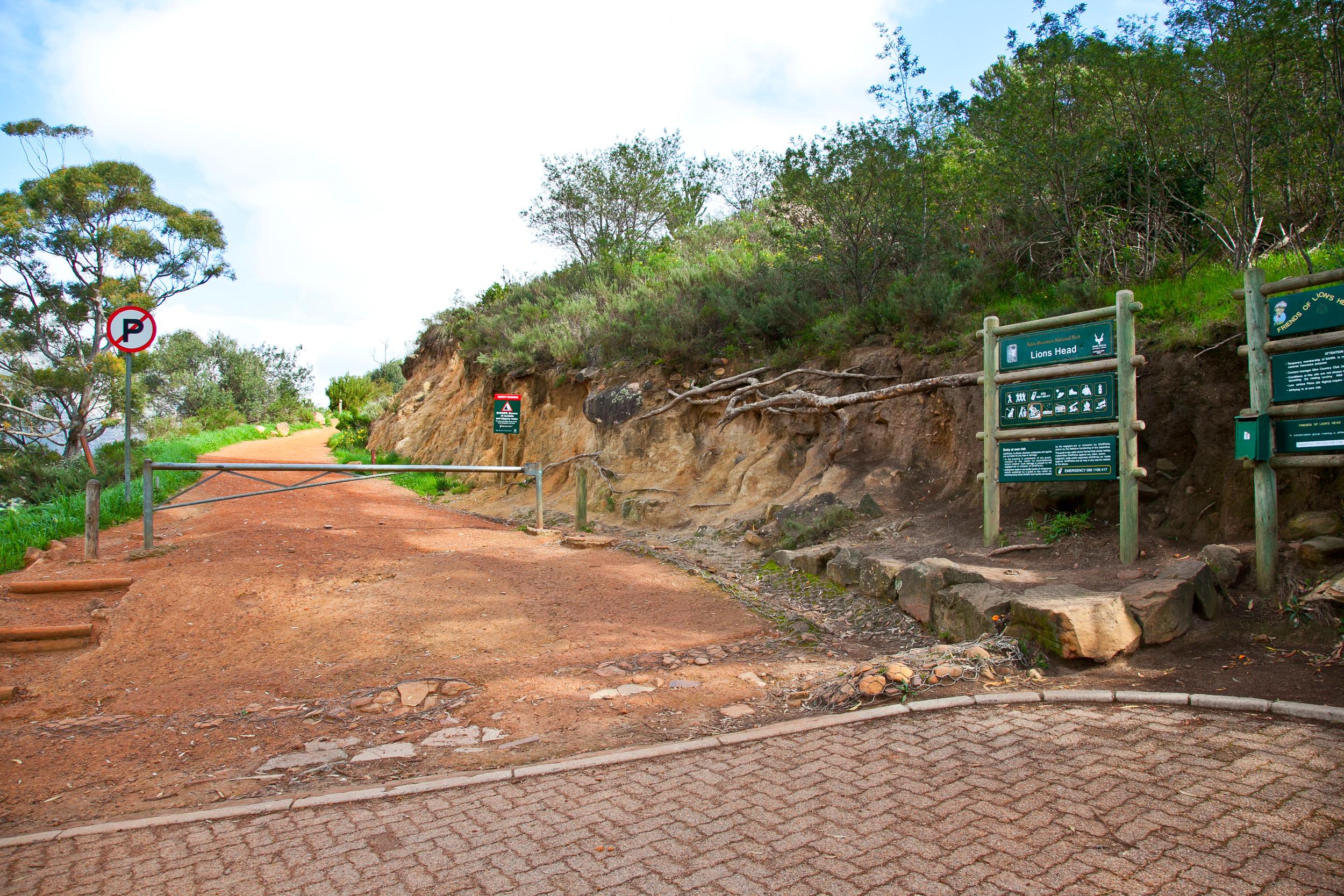 IMG_5006-hiking-lions-head-cape-town-trisa-taro.jpg