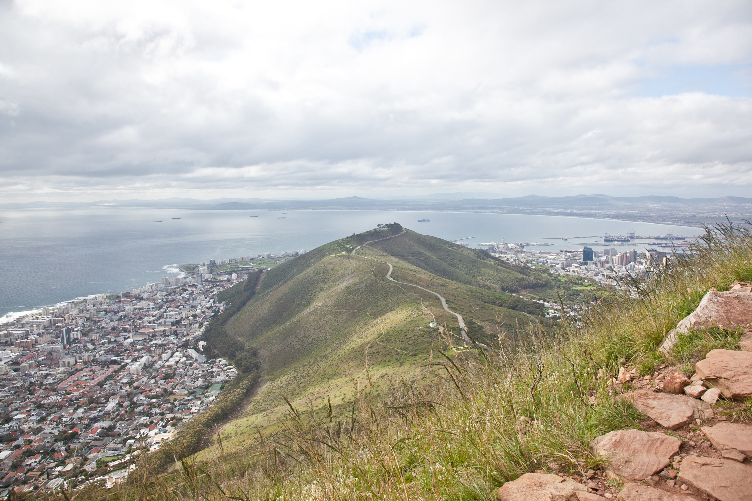 IMG_5036-hiking-lions-head-cape-town-trisa-taro.jpg